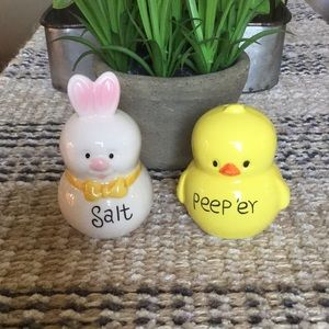 Easter salt and peep'er shakers